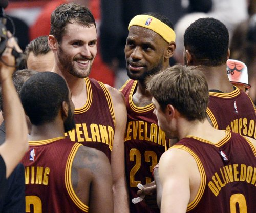 Lebron James subtweets Kevin Love to 'fit in'