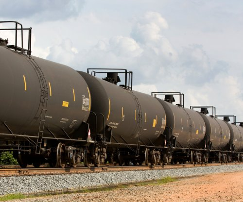 EIA: Alberta oil will move by rail
