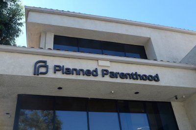 Judge blocks Mississippi law barring payments to Planned Parenthood