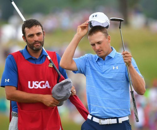 2017 Travelers Championship: Defending champion Russell Knox remains in background