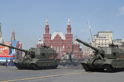Russia shows off Arctic military equipment at Victory Day parade