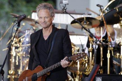 Fleetwood Mac's Buckingham suffers vocal cord damage during heart surgery
