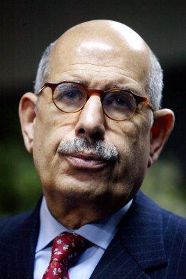 Egyptian presidential hopeful steps up