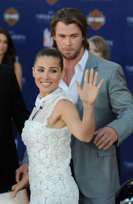 Hemsworth and Pataky expecting first child