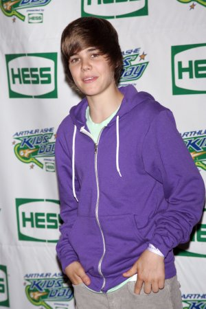 Bieber books two appearances on 'View'