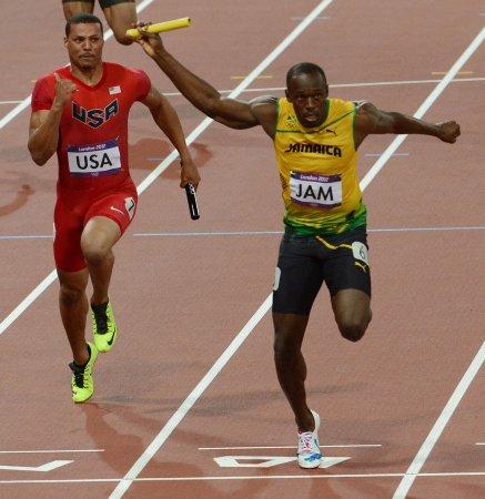 Velociraptor robot faster than Usain Bolt