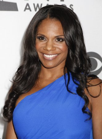 Audra McDonald sings Yahoo! Answers on 'Tonight Show'