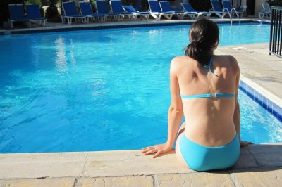 FDA: Sunscreen chemicals enter bloodstream at potentially unsafe levels