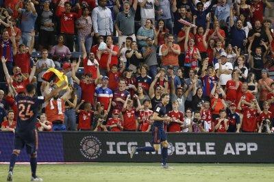 Bayern Munich edges AC Milan in U.S. soccer friendly