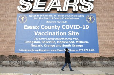 U.S. adds 200,000 COVID-19 cases for 9th out of first 10 days of 2021