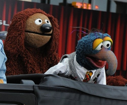 The Muppets' Rowlf goes viral singing 'Just a Friend' to Miss Piggy