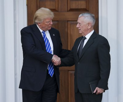Trump introduces Mattis as defense secretary nominee at N.C. victory rally