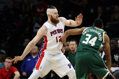 Detroit Pistons center Aron Baynes opts out of contract