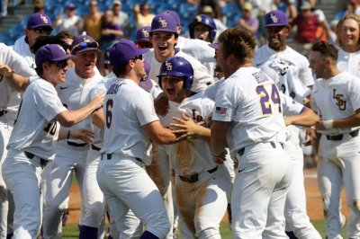 LSU beats Auburn with wild pitch, error in SEC Tournament