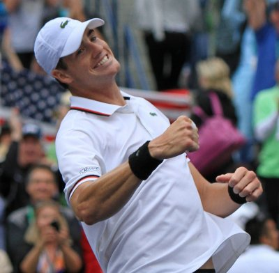 Isner, Monaco to vie for Clay Court crown