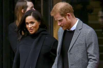 Meghan Markle writes uplifting messages on bananas for charity