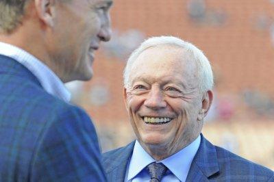 Cowboys owner Jerry Jones thanks Giants for Odell Beckham Jr. trade