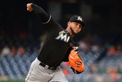 Marlins defeat Nats 8-5