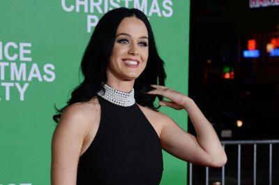 Katy Perry goes blonde for Orlando Bloom's birthday
