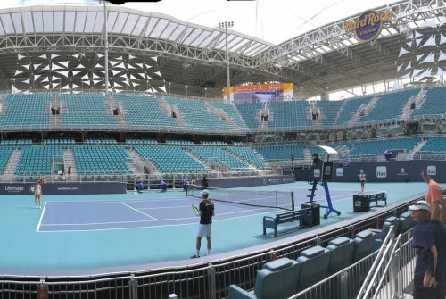 Miami Open: Tennis stars have mixed reviews of Dolphins stadium venue