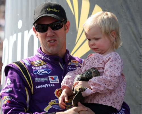 Matt Kenseth's wife hurt in racecar crash