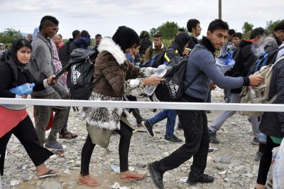 EU, Turkey agree on deal to return migrants to Turkey