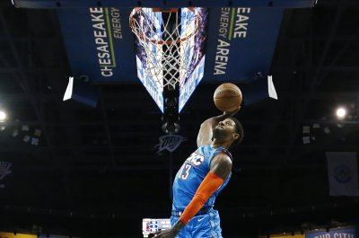 Thunder star Paul George floats on dunk vs. Nuggets