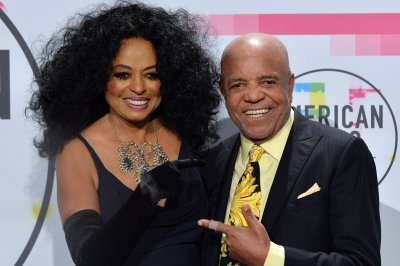 Diana Ross says TSA was 'over the top' at New Orleans airport