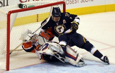 NHL: New York Islanders 3, Toronto 1
