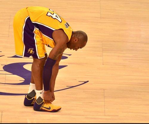 Kobe Bryant says goodbye to locker interviews on farewell tour