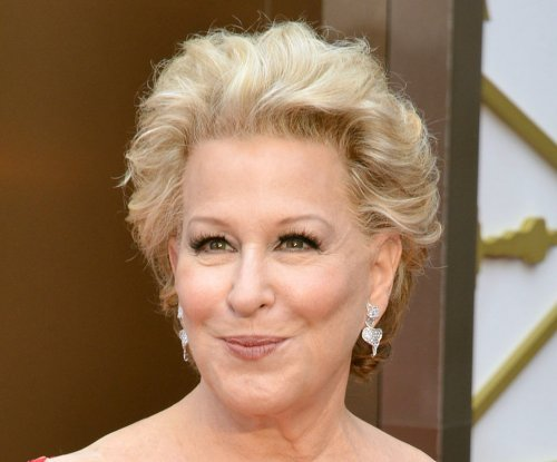 Bette Midler apologizes for suggesting Caitlyn Jenner may go back to being Bruce
