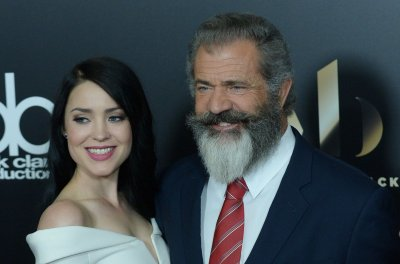 Mel Gibson, girlfriend Rosalind Ross step out after baby news