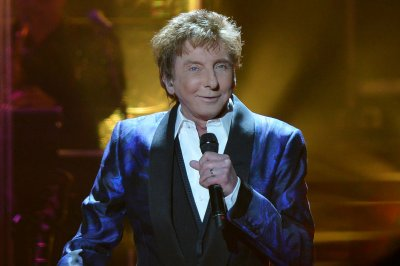 Barry Manilow on marriage to Garry Kief: 'I'm proud of it'