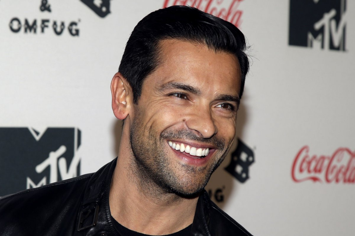 Mark-Consuelos-to-play-Veronicas-dad-on-Riverdale.jpg?lg=5
