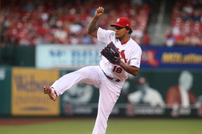 Carlos Martinez helps St. Louis Cardinals defeat Los Angeles Dodgers