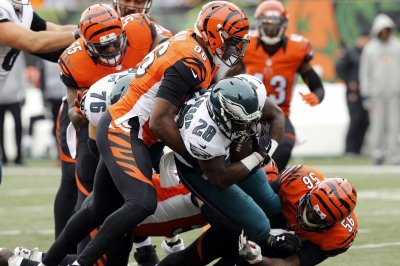 Carlos Dunlap's big defensive play leads Cincinnati Bengals past Indianapolis Colts