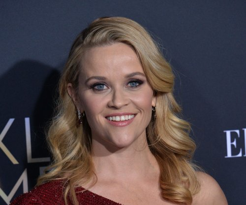 Reese Witherspoon confirms 'Legally Blonde 3' in video
