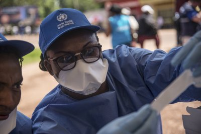 Medics challenged as Ebola spreads to Congo's conflict zone