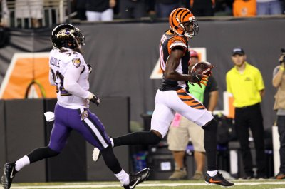 Cincinnati Bengals receiver A.J. Green sheds walking boot