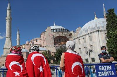 Turkish court allows Hagia Sophia museum to return as mosque
