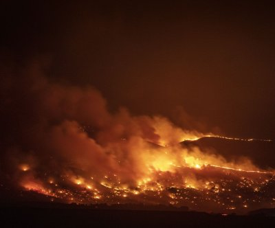 East Troublesome Fire forces evacuations, shutters national park in Colorado