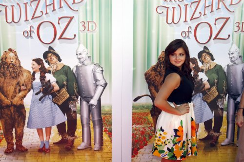 Oscars show to mark 75th anniversary of 'The Wizard of Oz'
