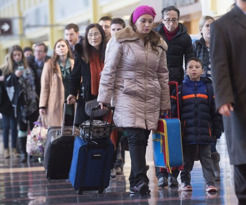 AAA predicts record numbers in U.S. will travel for the holidays this year