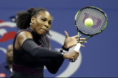 Serena Williams takes 1st step in quest for record 23rd major title