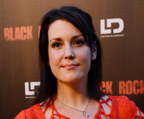 Melanie Lynskey engaged to longtime love Jason Ritter