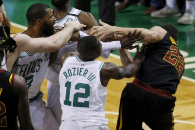 Cleveland Cavaliers, Boston Celtics get in Game 5 scrum