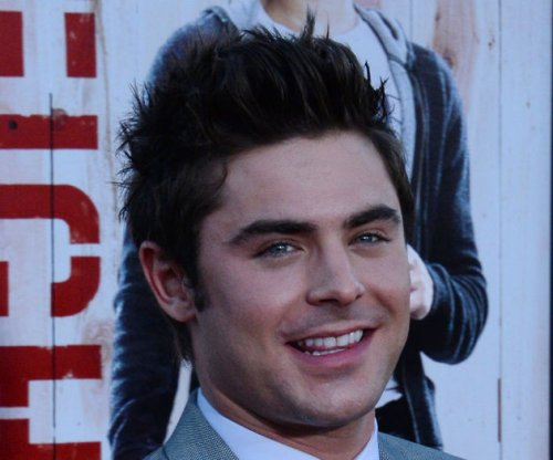 Zac Efron, Robert De Niro go shirtless on 'Dirty Grandpa' set