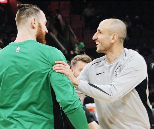Manu Ginobili's clutch 3-pointer lifts San Antonio Spurs over Boston Celtics