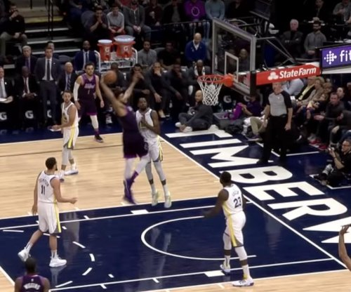 Kevin Durant clears runway for monster Karl-Anthony Towns dunk