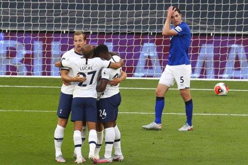 Tottenham Hotspur beats Everton on own goal